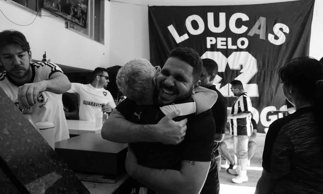 """""""Todos lugares a que eu ia com ela, alguém vinha atrás berrando 'Vó!!' para dar um abraço nela."""" Foto: Luiza Moraes / Agência O Globo"""