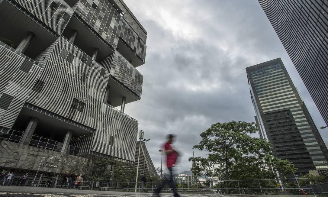 Sede da Petrobras, no Centro do Rio Foto: Guito Moreto/Agência O Globo/06-11-2018