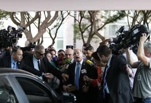 O ministro da Casa Civil, Onyx Lorenzoni, chega ao Ministério da Economia Foto: Jorge William/Agência O Globo