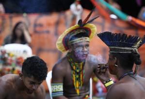 Indígenas acampam em Brasília para pressionar retomada de demarcações Foto: Michel Filho/Agência O Globo/24-04-2018