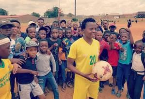 O sucesso de Kgatlana recolocou o futebol feminino em evidência na África do Sul Foto: Reprodução/Facebook
