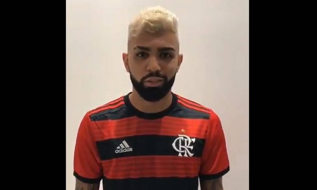 Gabigol apareceu com a camisa do Flamengo em vídeo vazado na web Foto: Reprodução/Twitter