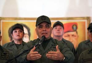 Ministro da Defesa da Venezuela, Vladimir Padrino anunciou apoio irrestrito das Forças Armadas a Nicolás Maduro Foto: BORIS VERGARA / AFP
