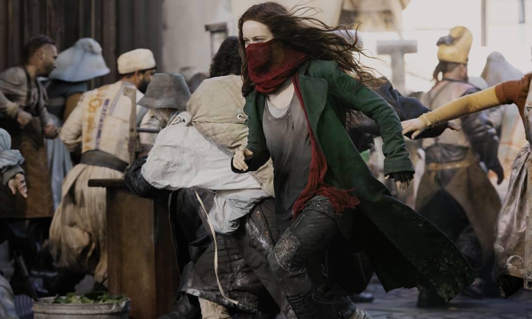 Hera Hilmar em cena do filme 'Máquinas mortais' Foto: Mark Pokorny/Universal Pictures / Divulgação