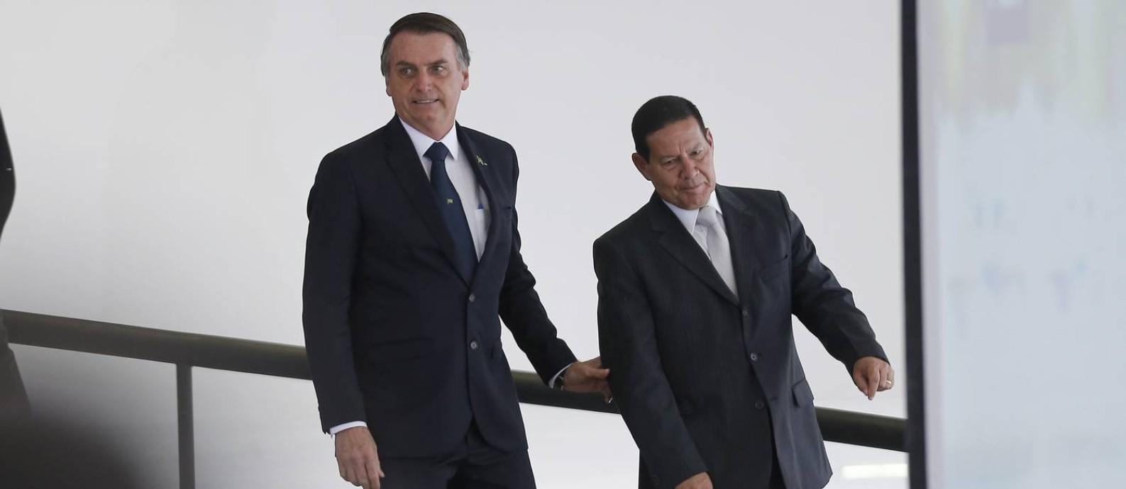 O presidente Jair Bolsonaro e o vice Hamilton Mourão Foto: Jorge William / Agência O Globo