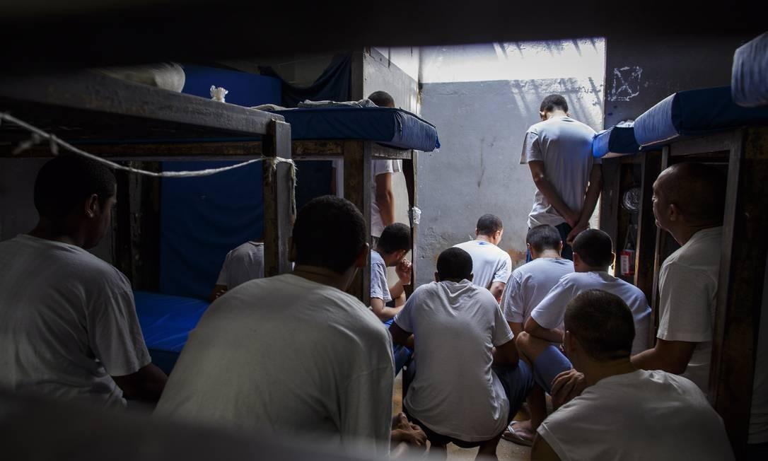 Detentos do presídio Ary Franco, no Rio. 16-12-2015 Foto: Daniel Marenco / Agência O Globo