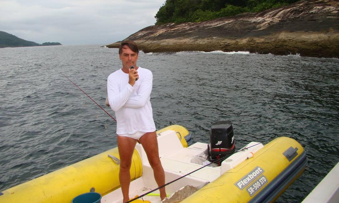 O presidente Jair Bolsonaro durante pescaria Foto: Divulgação