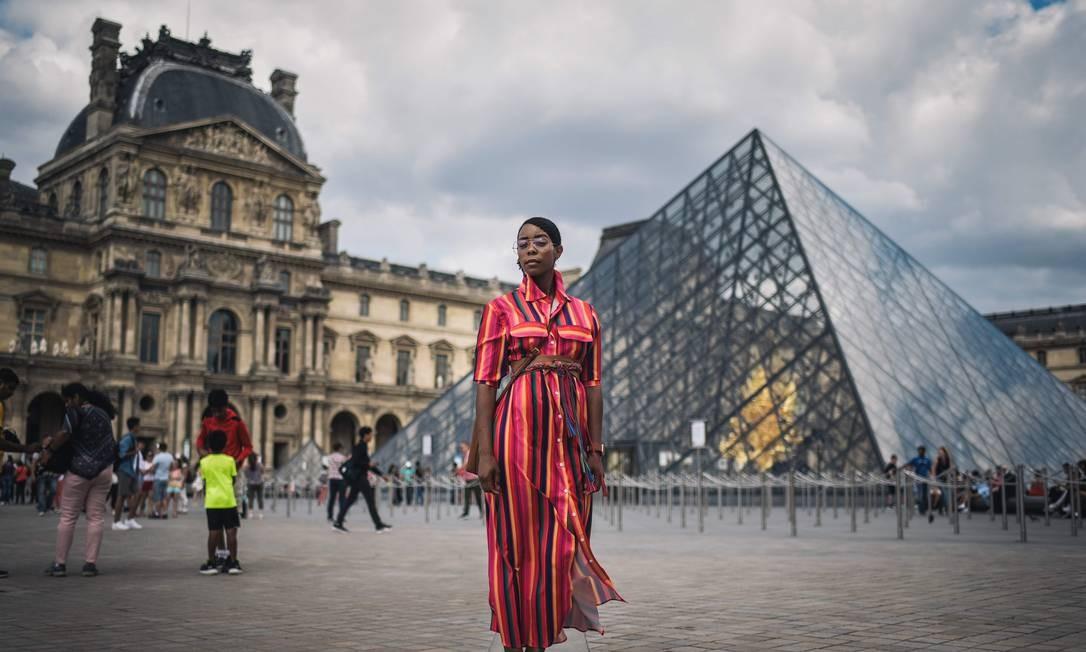 A combinação da pirâmide transparente com o palácio do século XVIII sempre rende ótimas fotos Foto: LUCAS BARIOULET / AFP