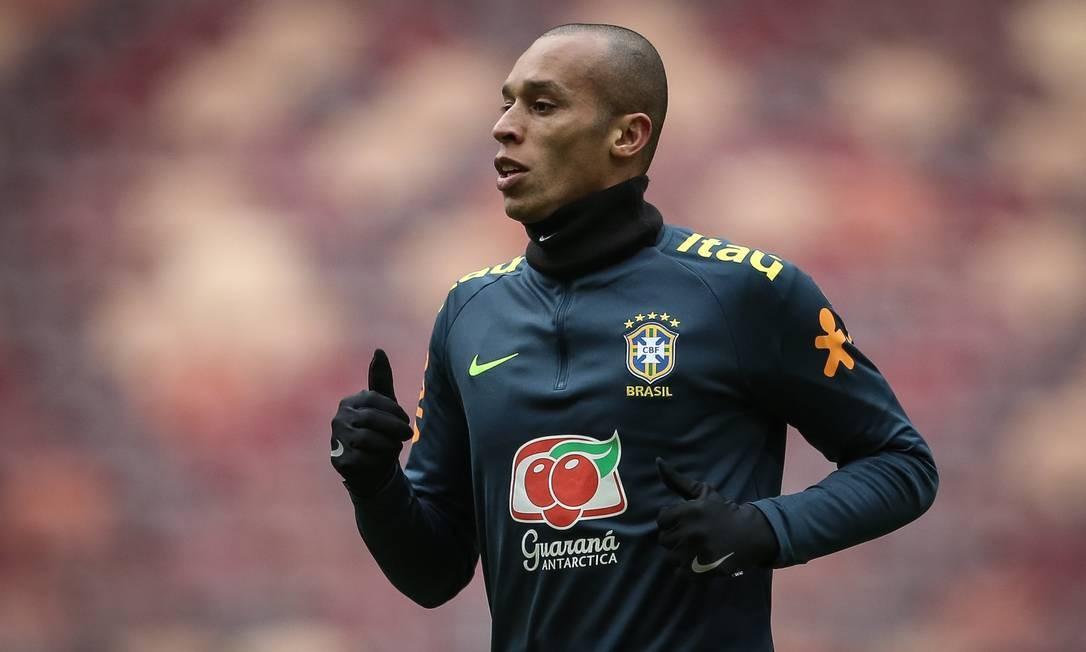 O zagueiro Miranda no treinamento da seleção brasileira Foto: Pedro Martins/MoWA Press/Divulgação