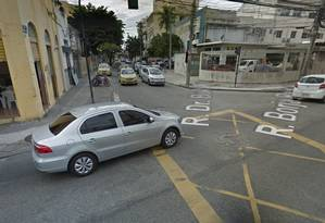 O local onde houve o tiroteio entre bandidos e PMs Foto: Google Street View / Reprodução