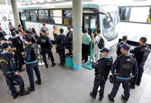 Policiais patrulham terminal de ônibus em Fortaleza, capital do Ceará 09/01/2019 Foto: PAULO WHITAKER / REUTERS