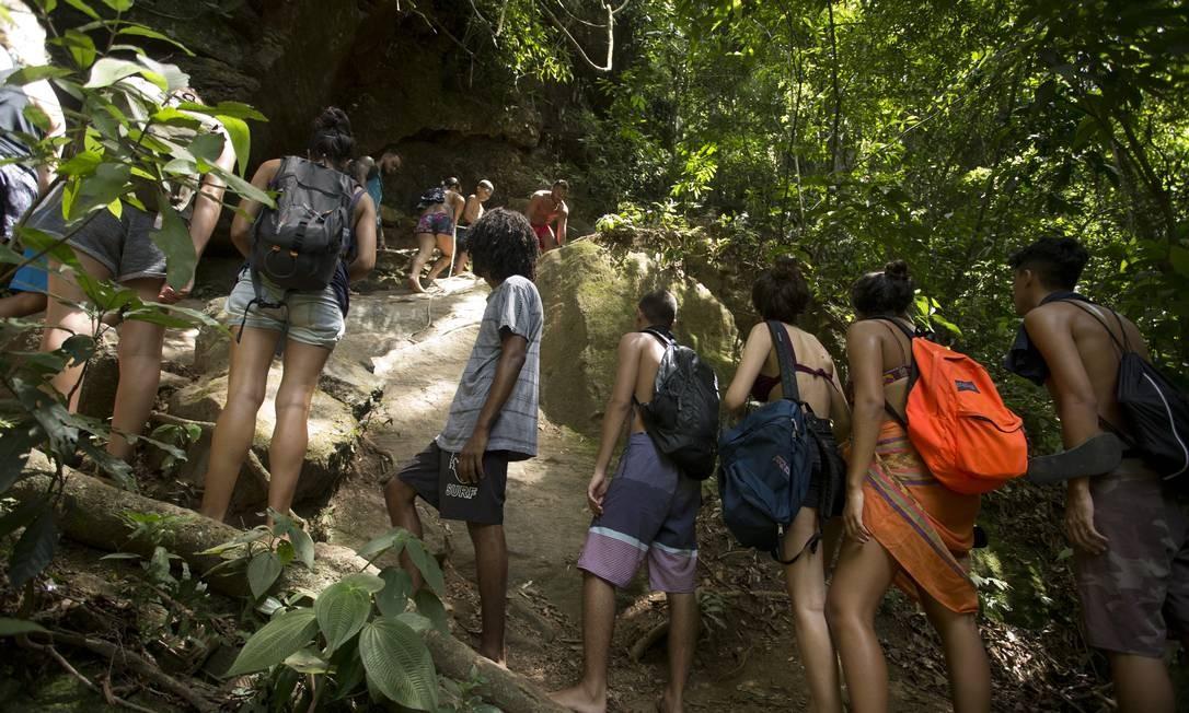Fila para a subida das cachoeiras do Horto Foto: Márcia Foletto
