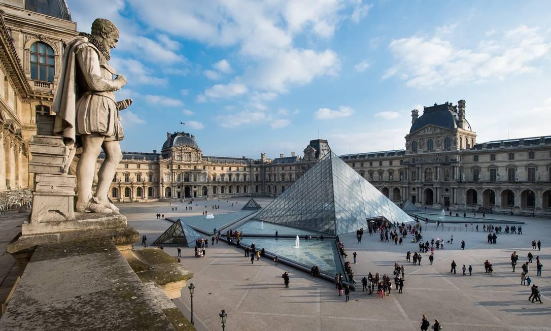 Pirâmide do Louvre faz 30 anos em 2019 e segue como um dos principais cartões-postais de Paris, na França Foto: Divulgação / Museu do Louvre