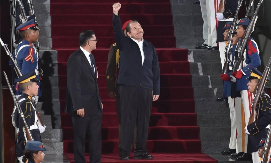 Presidente da Nicarágua, Daniel Ortega, na cerimônia de posse do segundo mandato de Maduro em Caracas Foto: YURI CORTEZ / AFP