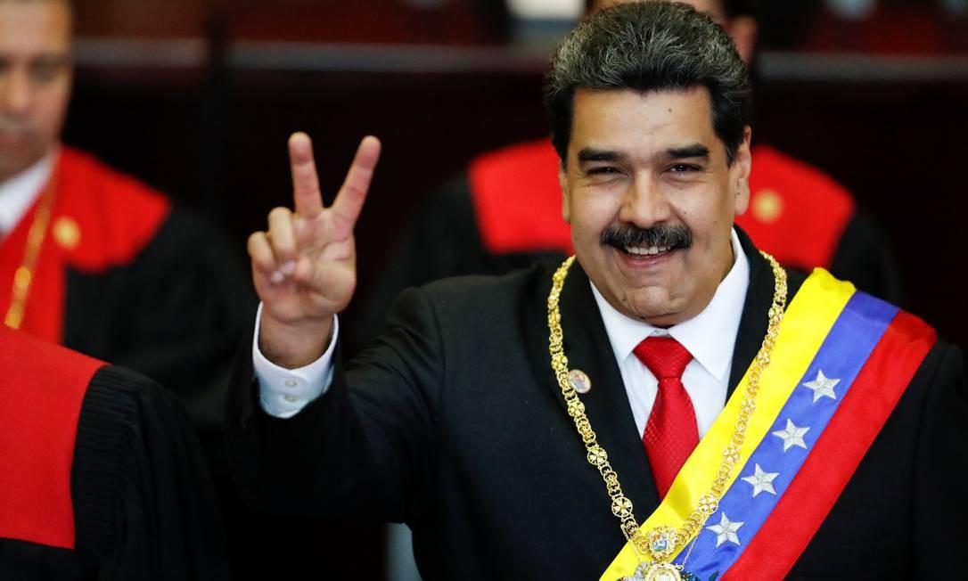 Nicolás Maduro após receber a faixa presidencial durante o juramento cerimonial de seu segundo mandato Foto: CARLOS GARCIA RAWLINS / REUTERS