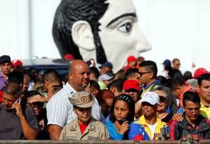 Apoiadores do presidente Nicolás Maduro se reúnem para sua cerimônia de posse para novo mandato a partir de 10 de janeiro de 2019 Foto: STRINGER / REUTERS