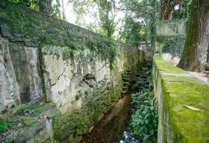 O rio Carioca é o primeiro curso d'água urbano tombado no Brasil Foto: Brenno Carvalho / Agência O Globo