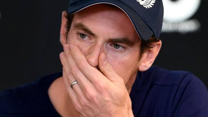 Andy Murray chora ao comunicar que vai se aposentar, aos 31 anos, por causa das dores no quadril Foto: WILLIAM WEST/AFP / AFP