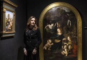 Lucia Borgonzoni, subsecretária de Cultura da Itália, entre reproduções de obras de Leonardo da Vinci, em Roma Foto: NADIA SHIRA COHEN / NYT