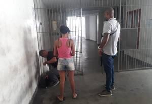Mulher foi presa dentro de hospital e levada para delegacia na Zona Norte Foto: Divulgação