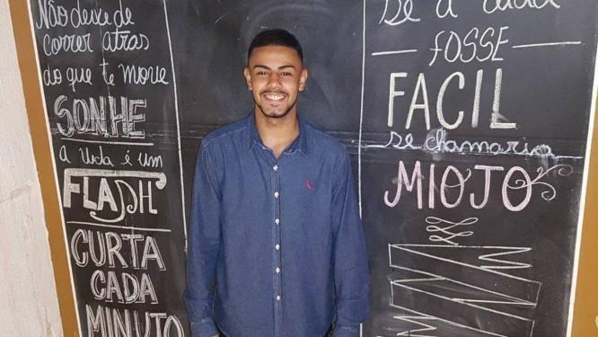 Henrique Almeida foi morto a tiros quando trabalhava como segurança Foto: Arquivo pessoal / Facebook