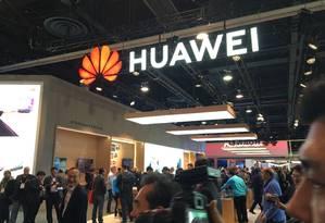 O estande da Huawei na feira CES, em Las Vegas Foto: ROBERT LEVER / AFP