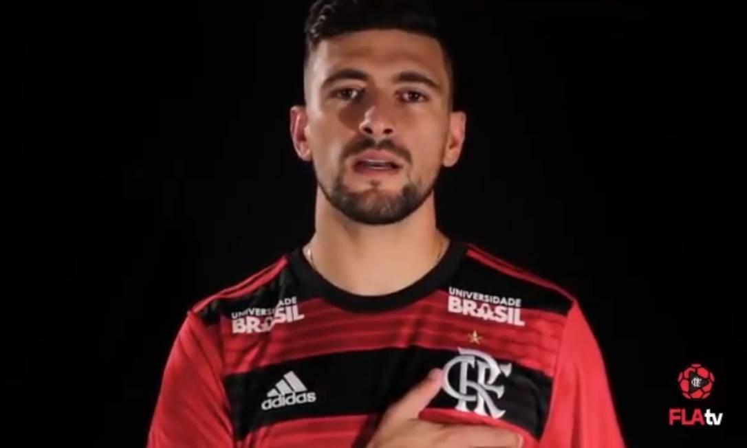 d23272dfa38 Arrascaeta aparece com camisa do Flamengo em vídeo divulgado pelo clube  Foto  Reprodução