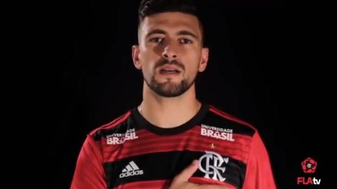 Arrascaeta aparece com camisa do Flamengo em vídeo divulgado pelo clube Foto: Reprodução