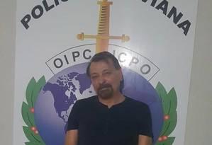 O italiano Cesare Battisti preso na Bolívia na noite deste sábado Foto: Twitter: @poliziadistato