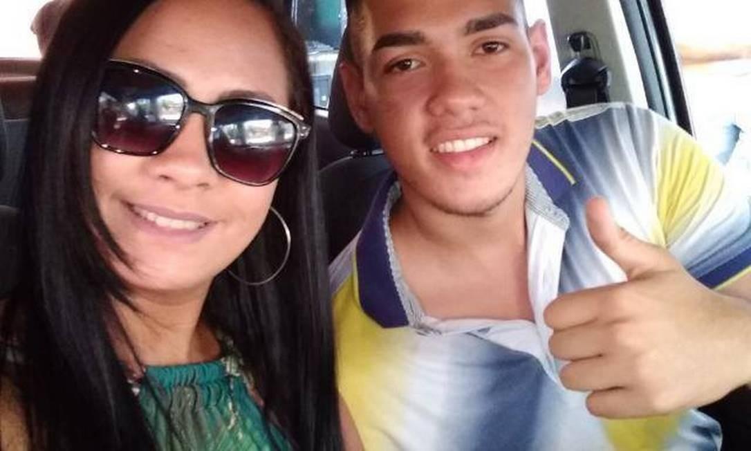 Jovem de 19 anos morreu na frente da casa da namorada Foto: Arquivo pessoal
