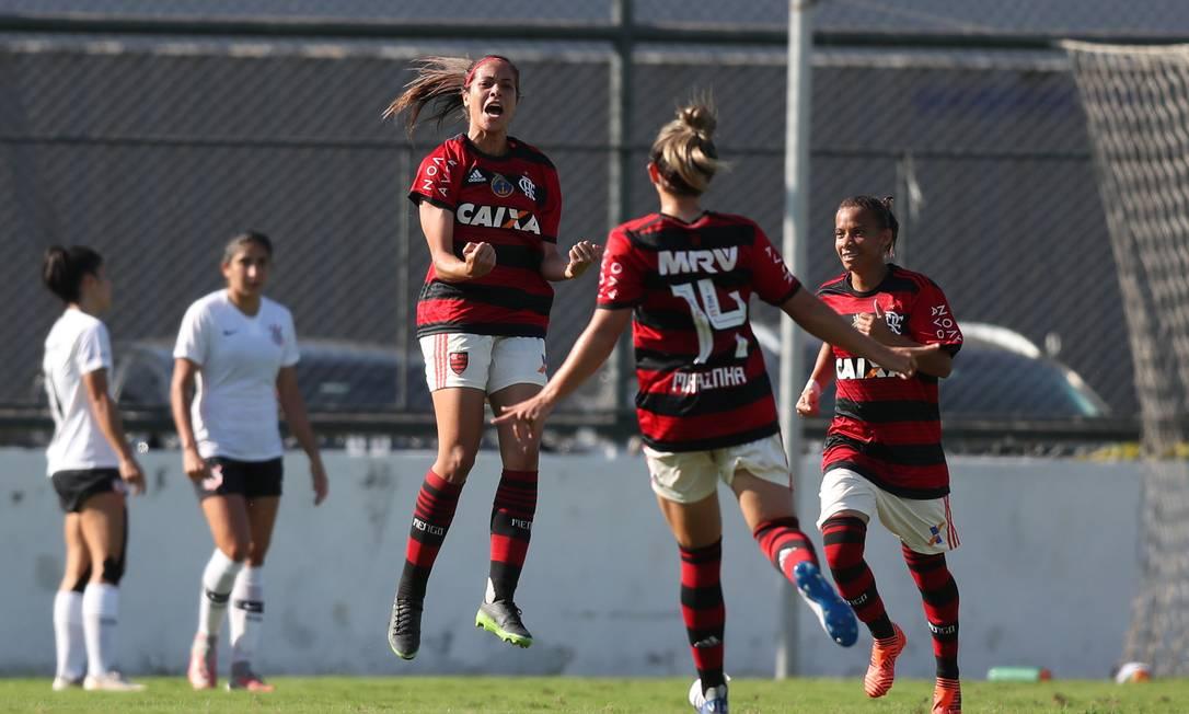Flamengo e Corinthians pelo Brasileirão feminino Foto: Lucas Figueiredo/CBF
