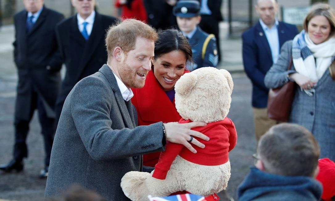 Presentes para o bebê real Foto: CARL RECINE / REUTERS