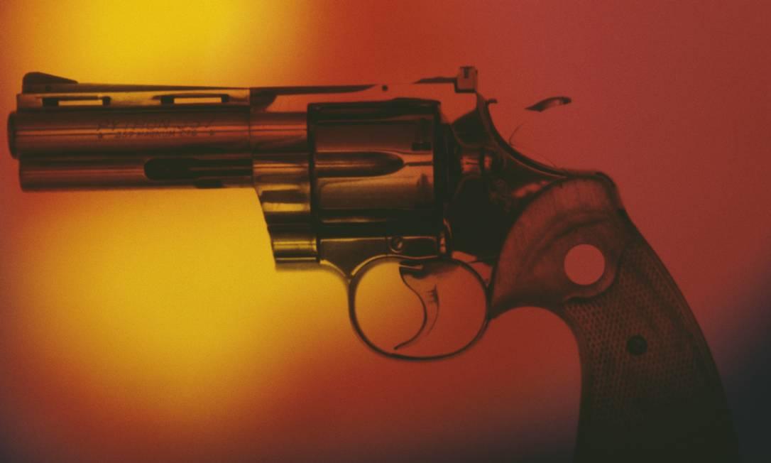 Armas de fogo são utilizadas em 8,4% dos casos de suicídio no Brasil Foto: Alfred Gescheidt / Getty Images