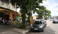 A Rua Marcos de Macedo conta com bares e restaurantes, além da Lona Cultural Terra Foto: Agência O Globo / Roberto Moreyra