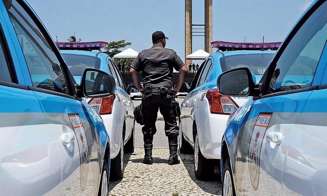 No ano passado, 1.700 veículos foram comprados sem o recurso das câmeras, que é obrigatório Foto: Pedro Teixeira / Agência O GLOBO