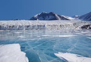 Derretimento do gelo antártico já elevou o nível do mar em 1,4 centímetro desde 1979 Foto: Pixabay