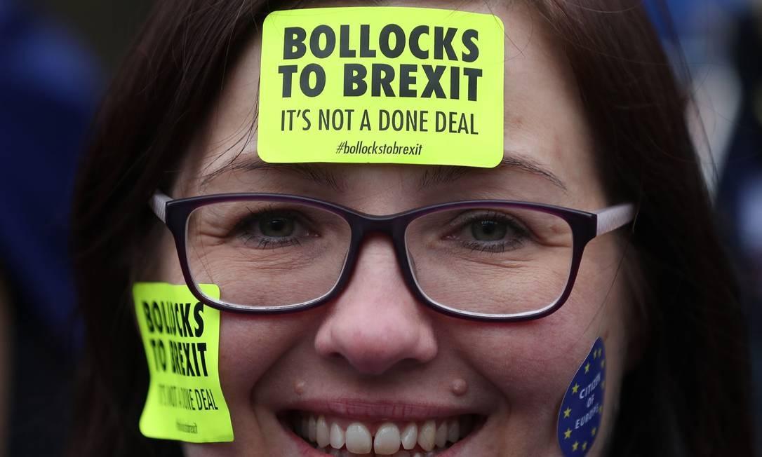 É a maior derrota do governo britânico em 100 anos no Parlamento; o acordo de saída do Reino Unido da União Europeia foi rejeitado por 230 votos Foto: DANIEL LEAL-OLIVAS / AFP