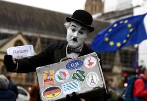 Parlamento britânico votou na terça-feira a proposta de acordo do Brexit apresentada pela primeira-ministra Theresa May Foto: CLODAGH KILCOYNE / REUTERS