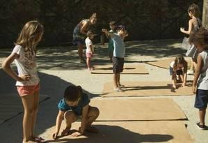 Crianças menores de 14 anos: pais podem receber salário-família, dependendo da renda mensal Foto: Guito Moreto - Agência O Globo