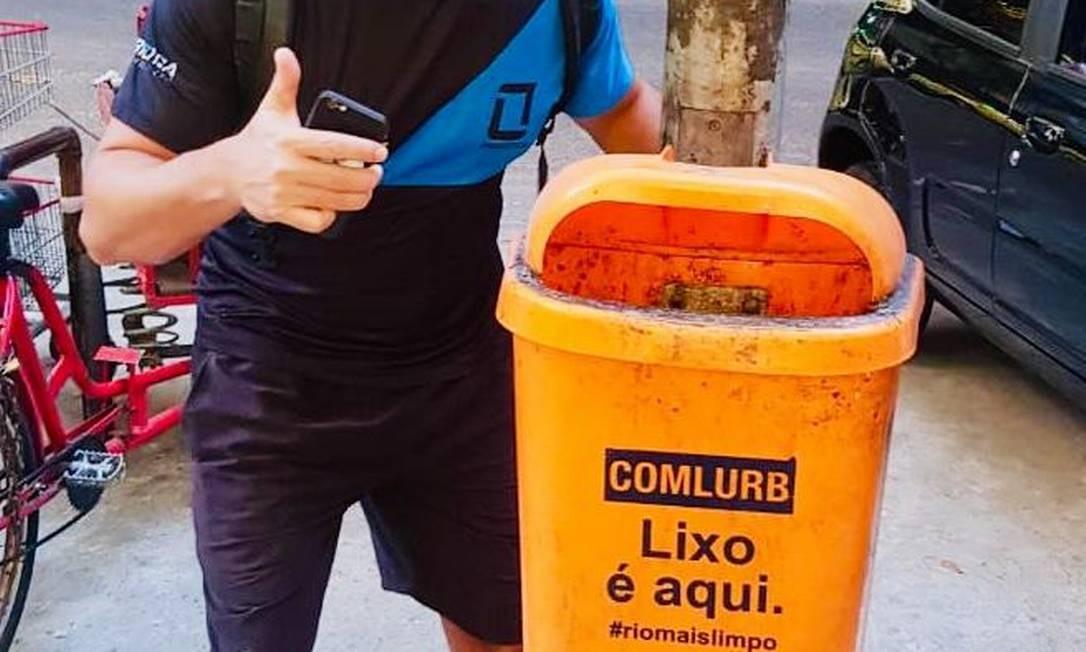 Bruno Rios foi o primeiro a postar foto com a lixeira no grupo Foto: Reprodução/Facebook (Grupo Copacabana Alerta)