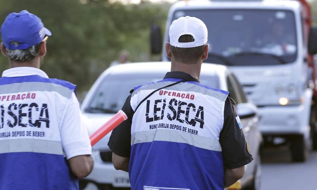 Início. Primeiro dia da Operação Verão da Lei Seca, no Recreio Foto: Marcio Alves / Márcio Alves/10-1-2019