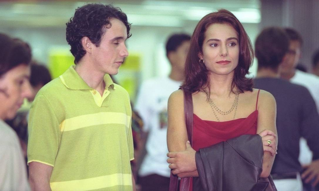 Em 1998, ao lado da atriz Cássia Linhares, durante gravação da novelinha 'Malhação' Carlos Ivan / Agência O Globo