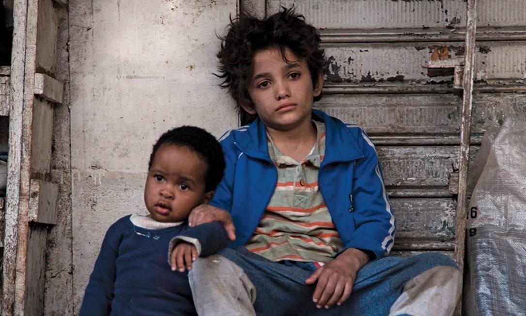 """'Cafarnaum': Indicado na categoria de melhor filme estrangeiro (Líbano). Zain, menino de 12 anos que fugiu dos pais abusivos, morou nas ruas, cuidou da refugiada Rahil e foi preso, processa os pais na Justiça pelo """"crime"""" de lhe dar a vida. Foto: Divulgação"""
