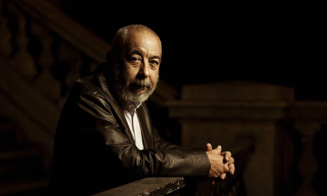 O escritor cubano Leonardo Padura, em 2017 Foto: Leo Martins / Agência O Globo
