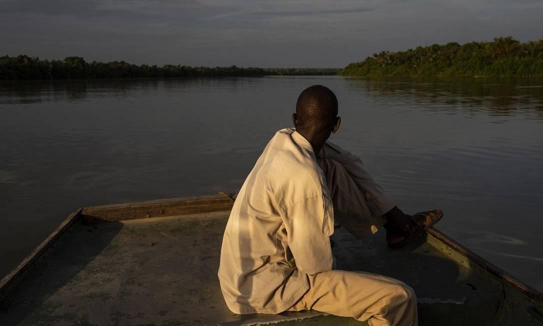 Viagem de barco pelo Rio Gâmbia, perto da Ilha Baboon. O país africano também está na lista do jornal de Nova York Foto: Daniel Rodrigues / The New York Times