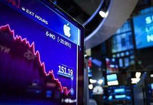 Queda nas vendas de iPhones pode afetar ritmo de contratações na Apple Foto: Drew Angerer / AFP