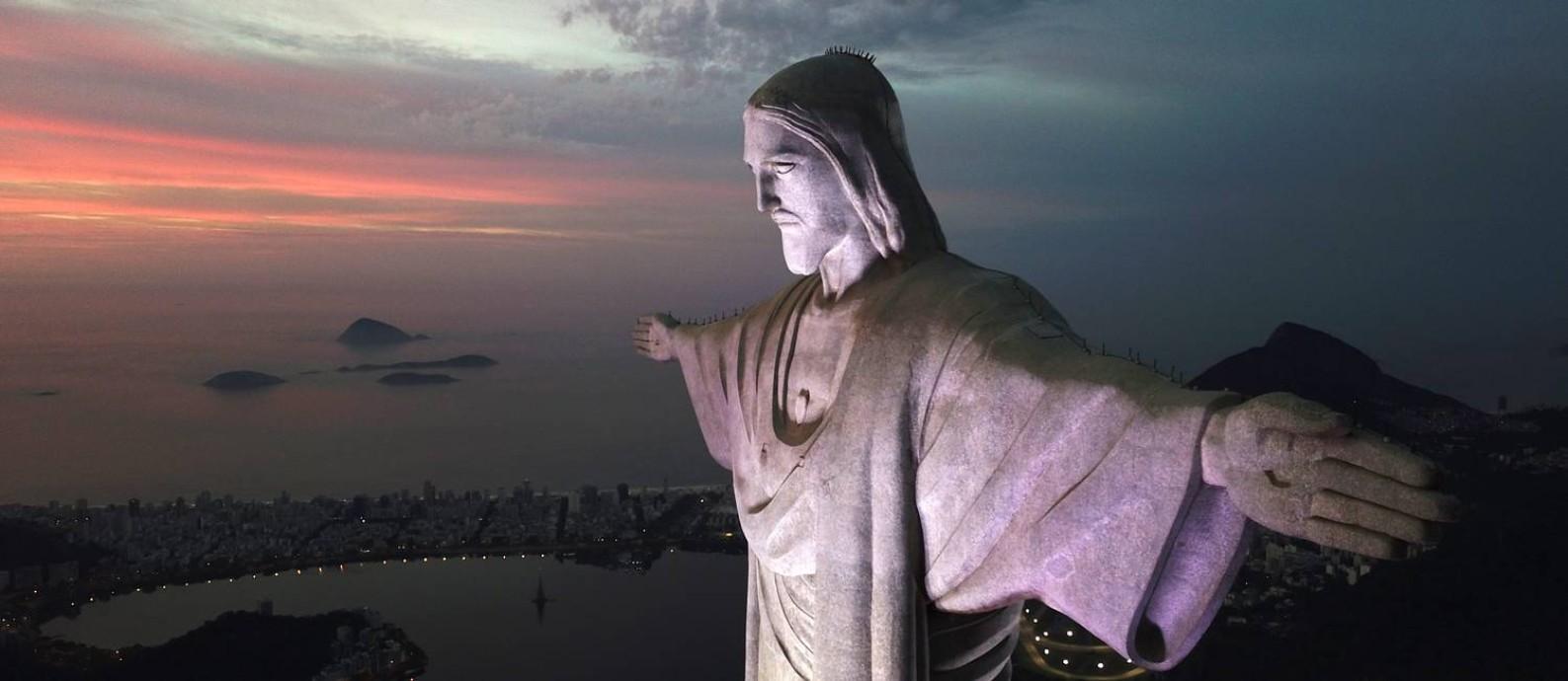 O monumento do Cristo Redentor, um dos mais belos cartões-postais do Rio Foto: Custódio Coimbra / Agência O Globo