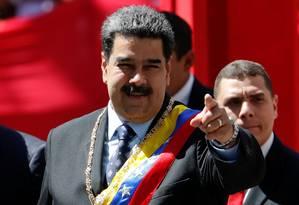Presidente da Venezuela, Nicolás Maduro gesticula ao chegar para sessão na Assembleia Nacional Constituinte Foto: CARLOS GARCIA RAWLINS / REUTERS