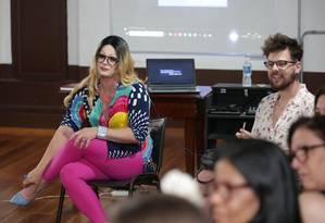 Nina e Gabriel Sanches durante a primeira aula na CAL Foto: Marcio Alves / Agência O Globo