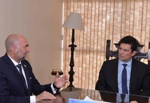 Gustavo Cinosi, assessor da OEA, se reúne com o ministro da Justiça, Sergio Moro Foto: Isaac Amorim/Ministério da Justiça